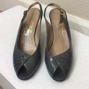 Vintage Pappagalo Gray Leather Peep Toe Sling Back